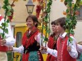 Winzertanzgruppe auf dem Marktplatz